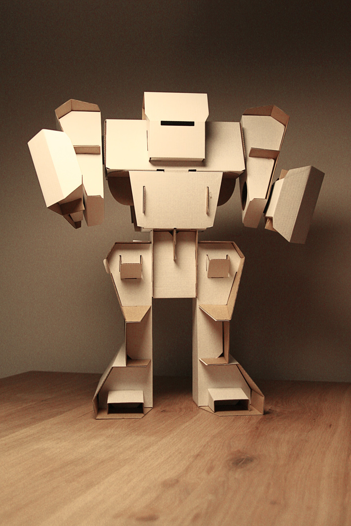 cardboard robot build yourself a new friend for love. Black Bedroom Furniture Sets. Home Design Ideas